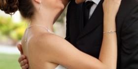coppia-di-sposi-felici